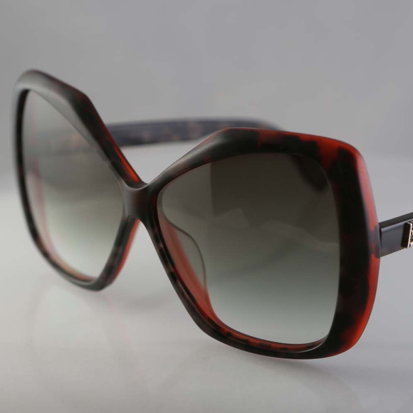 9c8f5b3b7cddc Vintage Fendi sunglasses Italy